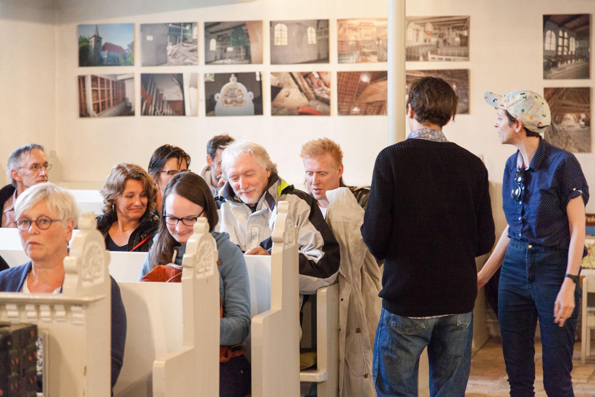 Annelyse Gelman & Auden Lincoln-Vogel, CLOUD SOCIETY – Site-Specific Performance